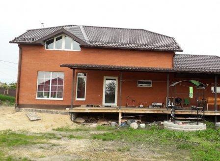 Дом 180.00-Кв.м. на участке 15.00 сот.