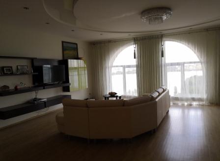4-комнатная квартира, 138.00-Кв.м.