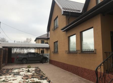 Дом 240.00-Кв.м. на участке 10.00 сот.