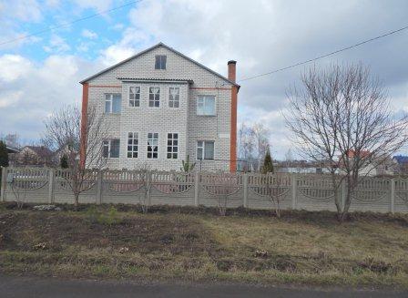 Дом 247.00-Кв.м. на участке 12.00 сот.