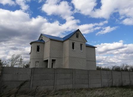 Дом 420.30-Кв.м. на участке 15.00 сот.