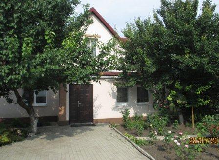 Дом 107.00-Кв.м. на участке 27.00 сот.